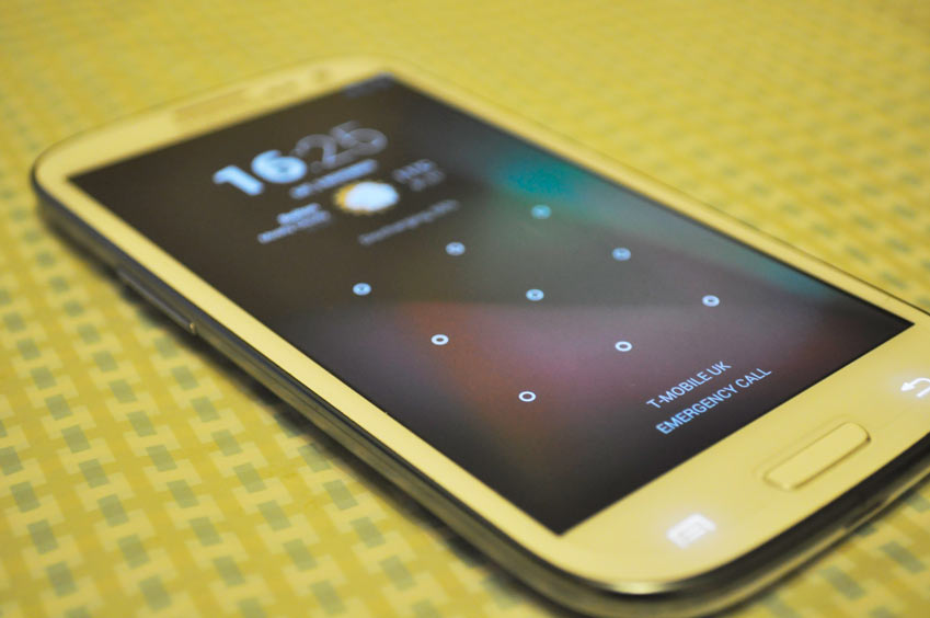 Samsung Galaxy S3 with CyanogenMod